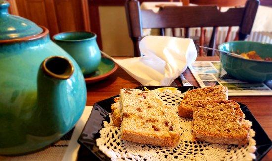 Cloghane, Ireland: Fresh baked break