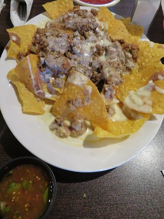 Loudon, TN: Nachos with ground beef and cheese