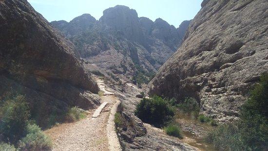 Arnes, Spain: Views of trekking