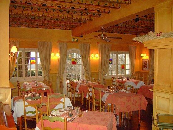Echenevex, France : Restaurant