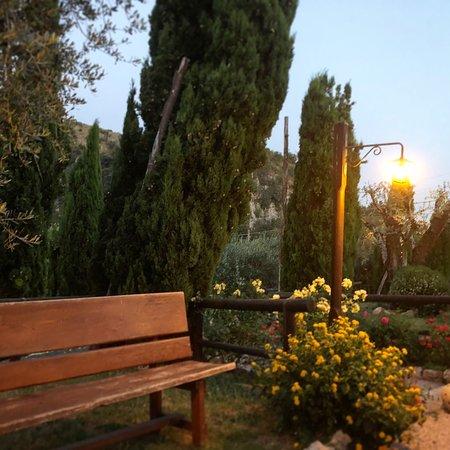 Avella, Ιταλία: D'estate ancora più suggestiva...