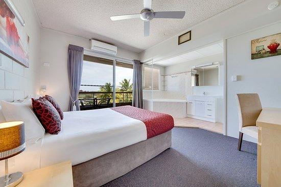 MAS Country Camelot Motel