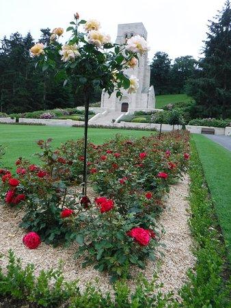 Aisne, França: The Cemetery Memorial