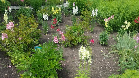 New Gloucester, ME: Gardens