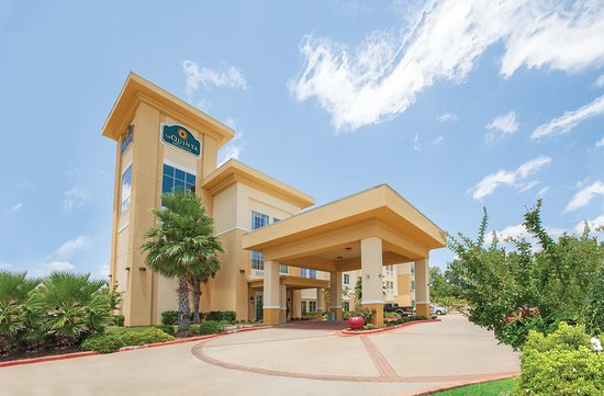 La Quinta Inn & Suites Jacksonville: Exterior