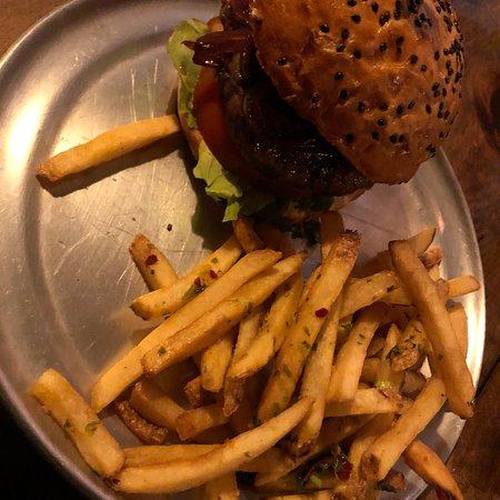 Mu. Burgerhouse照片