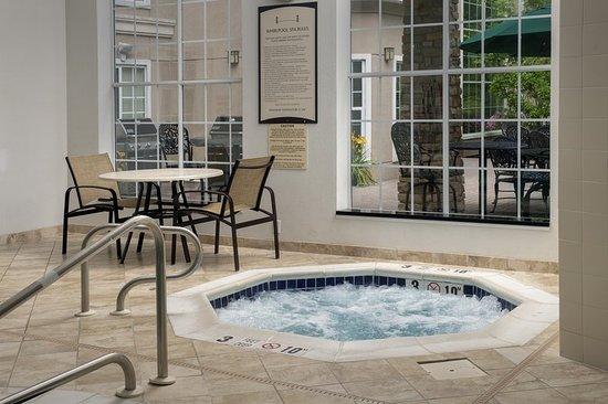 North Brunswick, Nueva Jersey: Pool