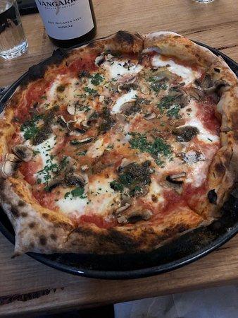 Cooroy, ออสเตรเลีย: pizza