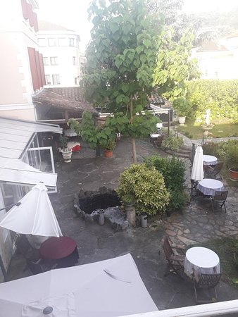 Realmont, France: TA_IMG_20180714_080250_large.jpg