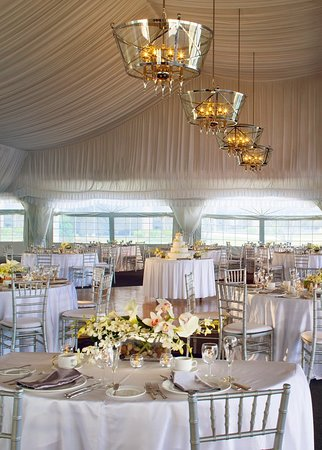 Itasca, IL: Ballroom