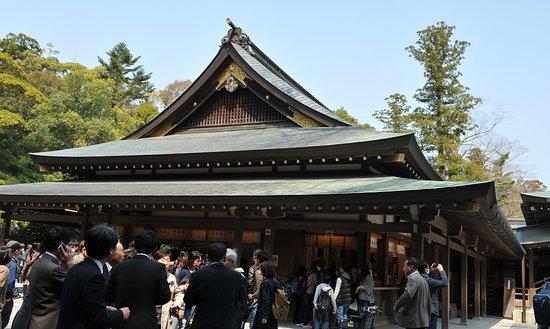 Ise, Japan: 参拝中間点にある神楽殿