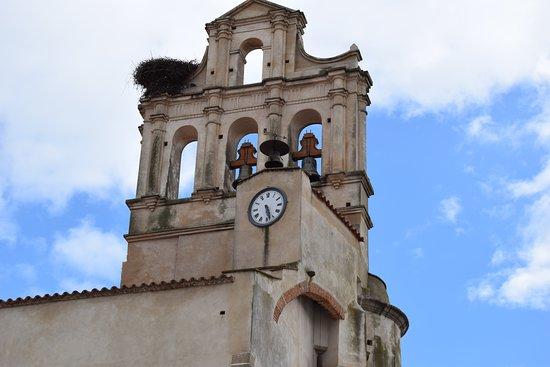Calera de Leon, Spain: Espadaña Iglesia Parroquial. Junto al Hostal