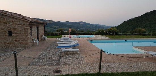 Serra San Quirico, Italia: 20180713_205410_large.jpg