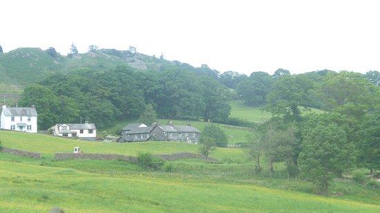 Little Langdale, UK: The Inn from a short walk away