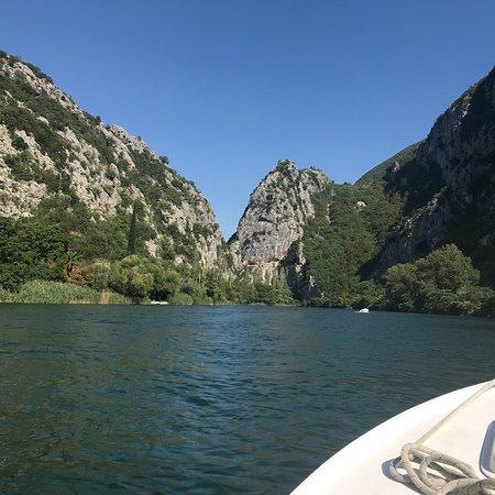 Omis and Cetina River照片