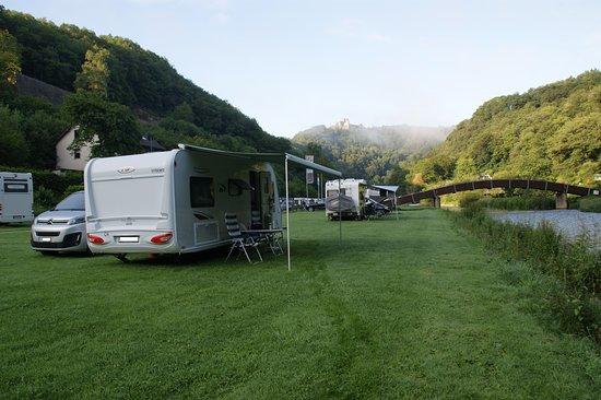 Esch-sur-Sure, Luxembourg: Standplatz Camping