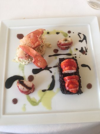 Mirambeau, Francia: I loved my lobster (however the other 4 people ordered steak and were a bit disappointed)