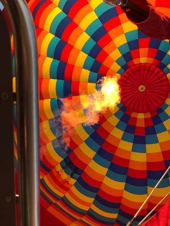 Canyonlands Ballooning: Slow burn...
