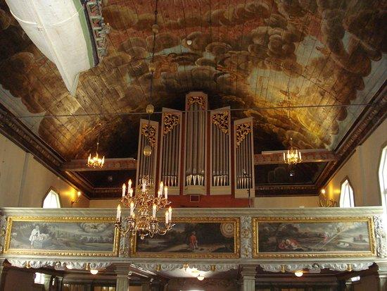 Kungalvs Kyrka: Taket i Kungälvs kyrka i Kungälv