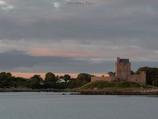 Fallon's Bed and Breakfast: Dunguaire Castle