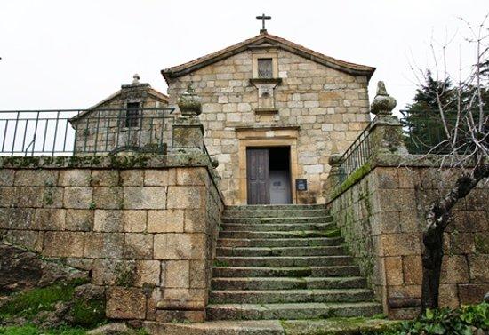 Igreja de Santiago e Panteão dos Cabrais-bild