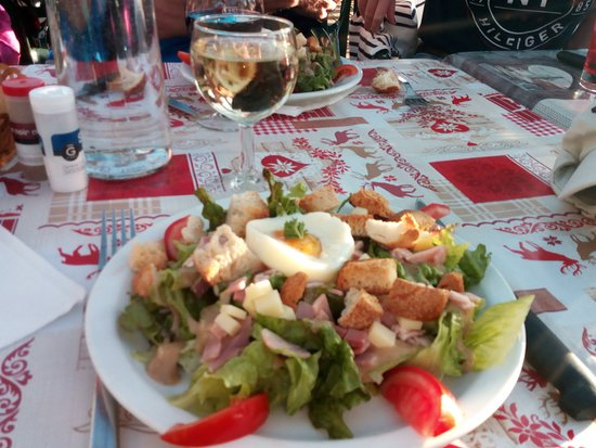 Champagny-en-Vanoise, France: Salade en entrée
