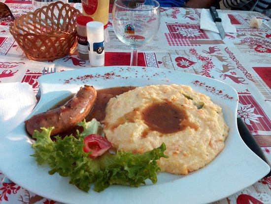 Champagny-en-Vanoise, France: Polenta et diot de Savoie