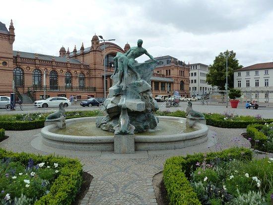 """Brunnen """"Rettung aus Seenot"""""""