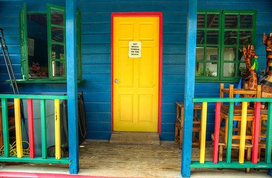 CocoLaPalm Resort: Towel House.