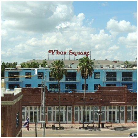 Hampton Inn & Suites Tampa/Ybor City/Downtown: View from our room (Room 515 I believe)