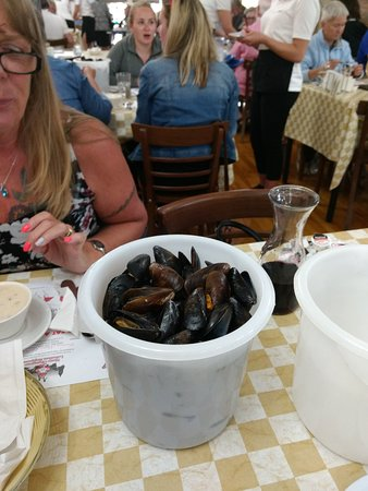 New Glasgow Lobster Supper: mussels