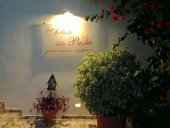 Vathy, Grecia: Artisti della pasta