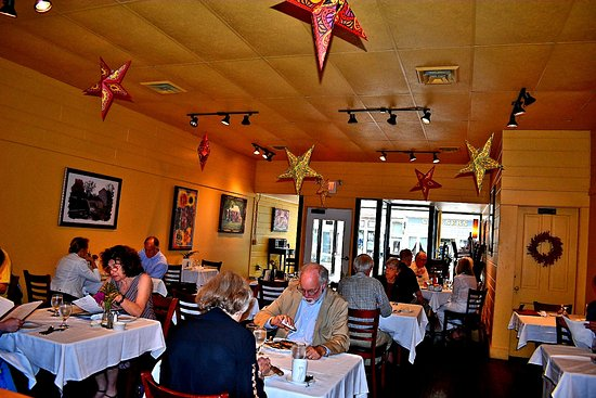 Stoughton, WI: Dine at Big Sky Restaurant