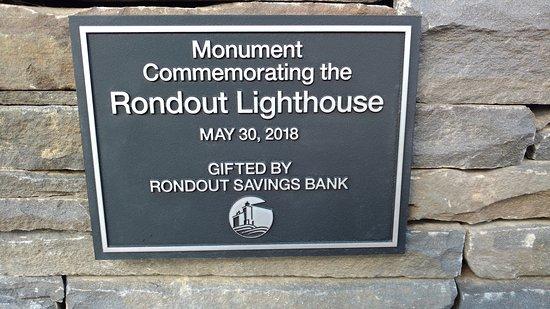 Rondout Lighthouse: Monument plaque