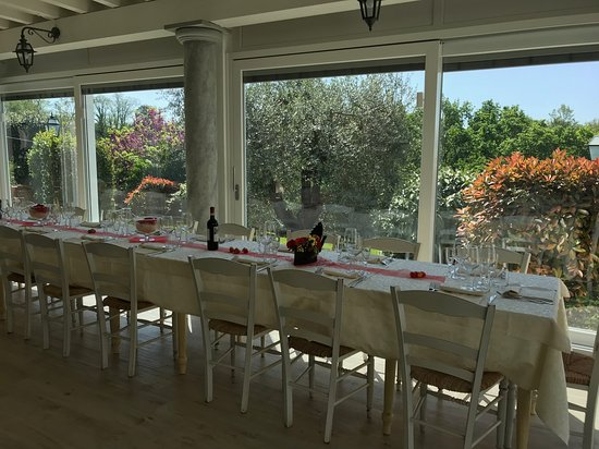 Bientina, Italien: nuova veranda immersa nel verde
