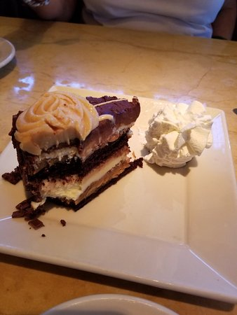 The Cheesecake Factory: 20180710_131617_large.jpg