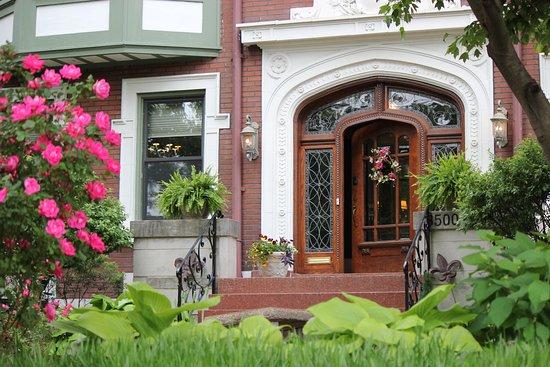 Fleur-de-Lys Mansion