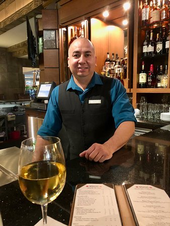 Wright's at the Biltmore: Aaron our fabulous Bartender!