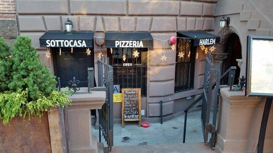 SottoCasa Pizzeria: Exterior