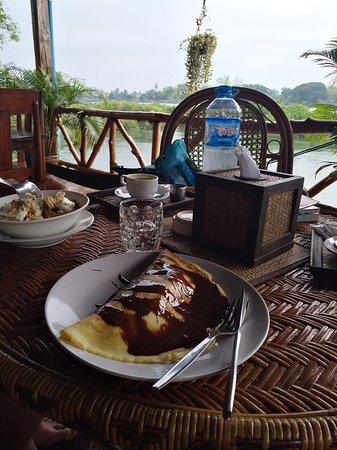 Don Det, Laos: sehr zu empfehlen: Bananen-Pfannkuchen und Müsli als Frühstück