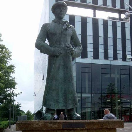 Steelmen Memorial Statue