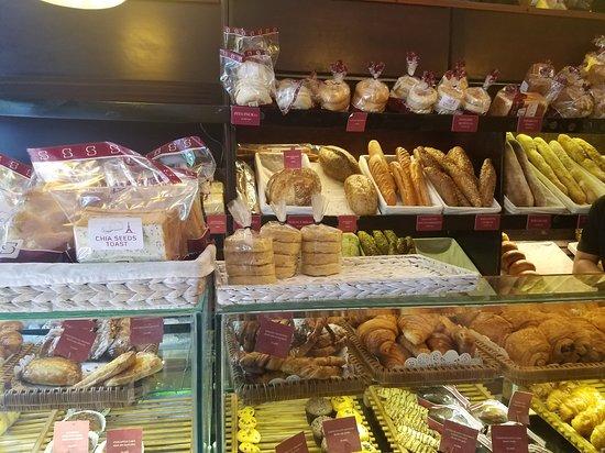 Saint-Honore: Bakery