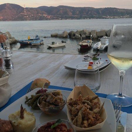 Una cena sul mare