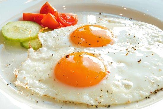 Samnaun, Switzerland: Frisch zubereitete Frühstückseier