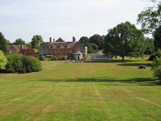 Lenham, UK: Rear view from top of gardens