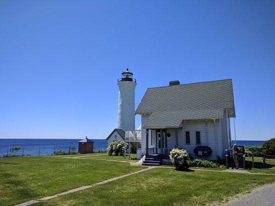 Cape Vincent, NY: Hostel and lighthouse