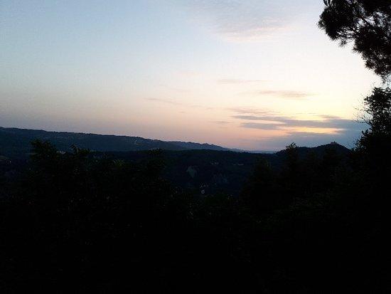 Montecastelli Pisano, Italia: 20180714_204746_large.jpg