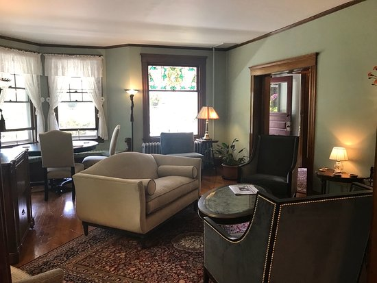 Palmer House Inn: Our living room, designed and furnished for comfortable relaxation.