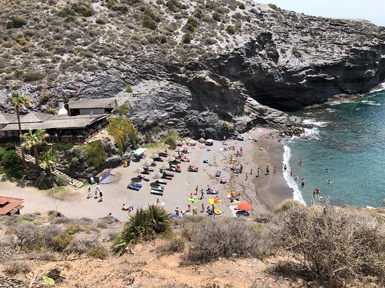 Atamaria, Spanien: There is a restaurant there with the beach.