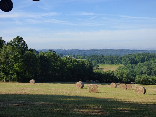 Loupiac, França: Vu panoramique depuis certains mobilhomes ou emplacements